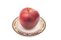 κόκκινο λευκό πιάτων μήλων απομονωμένο ανασκόπηση Στοκ Φωτογραφίες