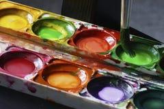 κόκκινο λευκό watercolor κτυπημάτων χρωμάτων Στοκ Εικόνες