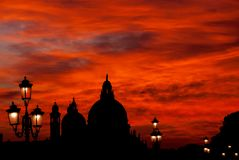 Κόκκινο ηλιοβασίλεμα ουρανού αίματος της Βενετίας Στοκ εικόνα με δικαίωμα ελεύθερης χρήσης