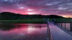 Κόκκινο ηλιοβασίλεμα στη Φινλανδία στοκ εικόνες