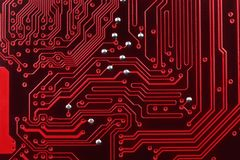 Κόκκινο ηλεκτρονικό κύκλωμα υπολογιστών Στοκ εικόνες με δικαίωμα ελεύθερης χρήσης