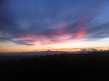 Κόκκινο ηλιοβασίλεμα με τον ορίζοντα Monviso στοκ φωτογραφίες με δικαίωμα ελεύθερης χρήσης