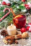 Κόκκινο θερμαμένο κρασί Χριστουγέννων Στοκ εικόνα με δικαίωμα ελεύθερης χρήσης