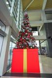 κόκκινο διακοσμήσεων Χριστουγέννων ανασκόπησης Στοκ Εικόνα