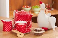 κόκκινο καθορισμένο τσάι Στοκ Εικόνες