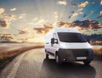 Κόκκινο και άσπρο φορτηγό τρισδιάστατη απόδοση στοκ φωτογραφίες με δικαίωμα ελεύθερης χρήσης