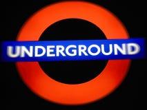 Κόκκινο και μπλε υπόγειο σημάδι από το Λονδίνο Στοκ Εικόνα