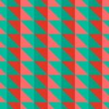 Κόκκινο και πράσινο αφηρημένο σχέδιο με τα τρίγωνα Στοκ εικόνα με δικαίωμα ελεύθερης χρήσης
