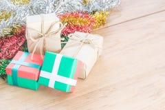 Κόκκινο και πράσινο κιβώτιο δώρων Στοκ Φωτογραφία