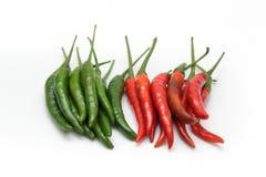 Κόκκινο και πράσινο πιπέρι τσίλι Στοκ Εικόνες