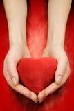 κόκκινο καρδιών χεριών Στοκ Φωτογραφία