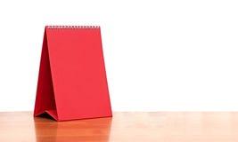 Κόκκινο κενό ημερολόγιο υπολογιστών γραφείου Στοκ φωτογραφία με δικαίωμα ελεύθερης χρήσης