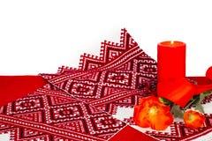 Κόκκινο κερί, πετσέτα στα ρωσικά ή ουκρανικός-ύφος με έναν υπήκοο Στοκ Εικόνες