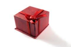 Κόκκινο κιβώτιο δώρων Στοκ φωτογραφίες με δικαίωμα ελεύθερης χρήσης