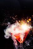 Κόκκινο κοκτέιλ με τον παφλασμό Στοκ Φωτογραφίες