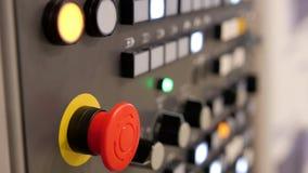 Κόκκινο κουμπί δύναμης - βιομηχανικός τηλεχειρισμός Διοικητική επιτροπή ενεργειακών συστημάτων ασφαλείας απόθεμα βίντεο