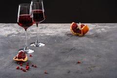 Κόκκινο κόκκινο κρασί γρανατών, ροδιών και γρανατών στοκ φωτογραφία