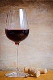 κόκκινο κρασί γυαλιού Στοκ φωτογραφίες με δικαίωμα ελεύθερης χρήσης