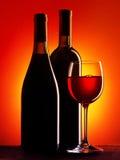 κόκκινο κρασί γυαλιού μπ&omi Στοκ Φωτογραφίες
