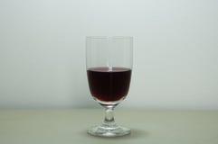 κόκκινο κρασί γυαλιού ράβδων αλκοόλης Στοκ φωτογραφία με δικαίωμα ελεύθερης χρήσης