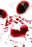 κόκκινο κρασί καρδιών Στοκ φωτογραφία με δικαίωμα ελεύθερης χρήσης