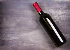 κόκκινο κρασί μπουκαλιών ακίνητο κρασί ζωής Τρόφιμα και έννοια ποτών Στοκ Εικόνες