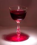 Κόκκινο κρασί στο γυαλί στοκ φωτογραφία με δικαίωμα ελεύθερης χρήσης