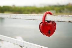 κόκκινο κλειδωμάτων Στοκ εικόνες με δικαίωμα ελεύθερης χρήσης