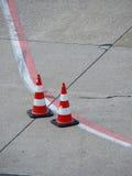 κόκκινο λευκό γραμμών κώνω& στοκ εικόνες