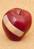 κόκκινο μήλων bandaid Στοκ εικόνες με δικαίωμα ελεύθερης χρήσης