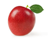 Κόκκινο μήλο με το πράσινο φύλλο στο άσπρο υπόβαθρο Στοκ εικόνα με δικαίωμα ελεύθερης χρήσης