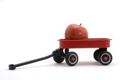 Κόκκινο βαγόνι εμπορευμάτων & Apple Στοκ φωτογραφία με δικαίωμα ελεύθερης χρήσης