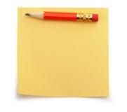 κόκκινο μολυβιών εγγράφ&omicr Στοκ φωτογραφία με δικαίωμα ελεύθερης χρήσης