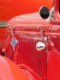 Κόκκινο μπροστινό κιγκλίδωμα φορτηγών της Ford Στοκ φωτογραφίες με δικαίωμα ελεύθερης χρήσης