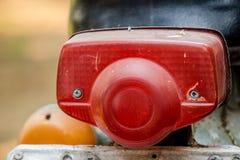 Κόκκινο οπίσθιο φως της εκλεκτής ποιότητας ιαπωνικής μοτοσικλέτας στοκ φωτογραφία με δικαίωμα ελεύθερης χρήσης