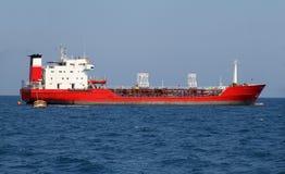 Κόκκινο πετρελαιοφόρο Στοκ Φωτογραφία