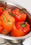 κόκκινο πιπεριών που γεμίζεται Στοκ Εικόνες