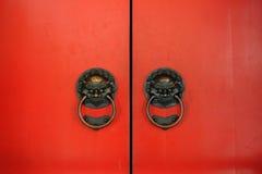 κόκκινο πορτών Στοκ φωτογραφία με δικαίωμα ελεύθερης χρήσης