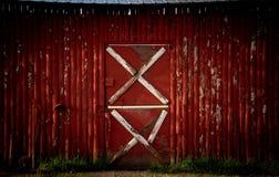 Κόκκινο που ρίχνεται με τις άσπρες εμφάσεις Στοκ φωτογραφία με δικαίωμα ελεύθερης χρήσης