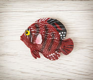 Κόκκινο πλαστικό παιχνίδι ψαριών Στοκ φωτογραφία με δικαίωμα ελεύθερης χρήσης