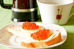 κόκκινο σάντουιτς χαβια&r Στοκ φωτογραφίες με δικαίωμα ελεύθερης χρήσης
