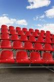 κόκκινο στάδιο καθισμάτω& Στοκ φωτογραφία με δικαίωμα ελεύθερης χρήσης