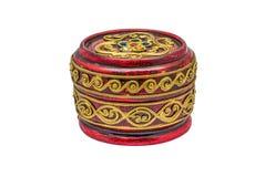 Κόκκινο στρογγυλό δοχείο κύπελλων μορφής ταϊλανδικό, Lacquerware Στοκ εικόνα με δικαίωμα ελεύθερης χρήσης