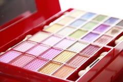 Κόκκινο συμπαγές πολυ χρωματισμένο makeup κιβώτιο Στοκ Εικόνες