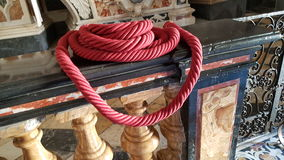 Κόκκινο σχοινί σε μια εκκλησία Στοκ Φωτογραφίες