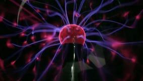 Κόκκινο τέχνης καλειδοσκόπιων σφαιρών πλάσματος απόθεμα βίντεο