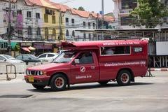 Κόκκινο ταξί Chiang Mai, για τον επιβάτη από τη στάση λεωφορείου Στοκ Φωτογραφίες