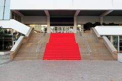 κόκκινο ταπήτων των Καννών στοκ εικόνα με δικαίωμα ελεύθερης χρήσης