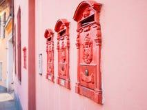 κόκκινο ταχυδρομικών θυ&r στοκ φωτογραφία με δικαίωμα ελεύθερης χρήσης