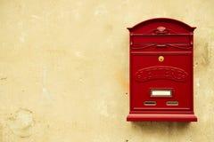 κόκκινο ταχυδρομικών θυ&r Στοκ Εικόνες